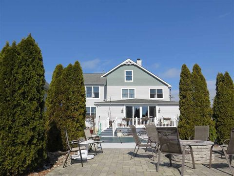 Photo of 155 Stevens St, West Cape May, NJ 08204