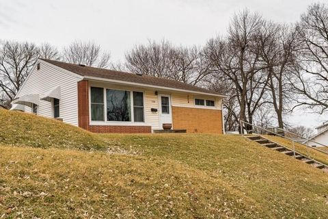 Photo of 1008 State St, Guthrie Center, IA 50115