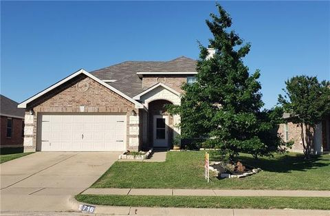 Photo of 716 Wrigley Dr, Burleson, TX 76028