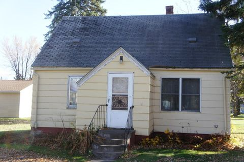 220 Church St, Currie, MN 56123