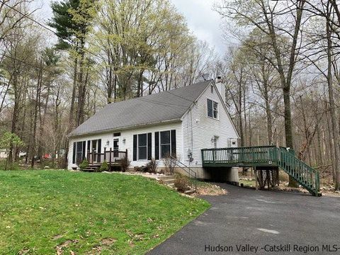Photo of 1027 Indian Springs Rd, Pine Bush, NY 12566