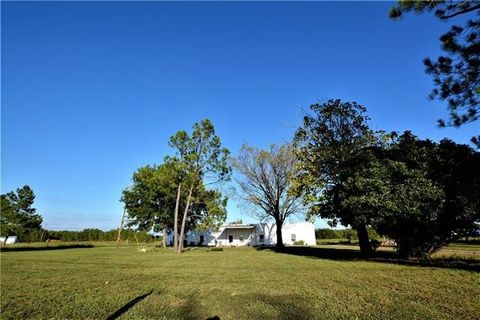 Photo of 16645 Farm Road 38 N, Honey Grove, TX 75446