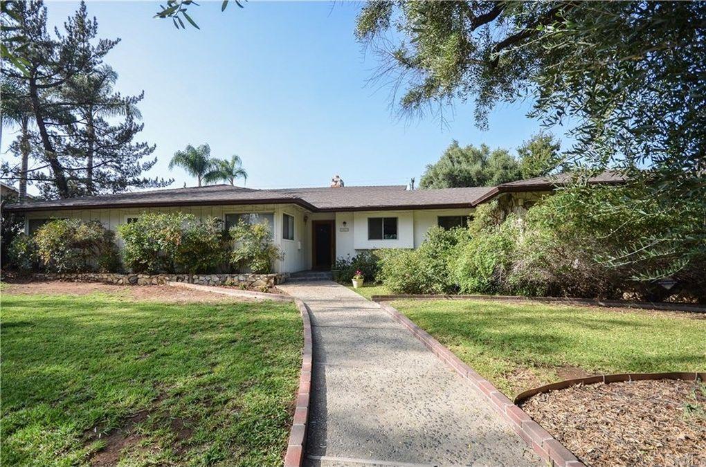 2057 Bronson Way Riverside, CA 92506