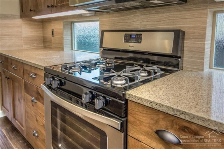 how to do a backsplash in kitchen 60499 hedgewood ln bend or 97702 realtor 174 27764