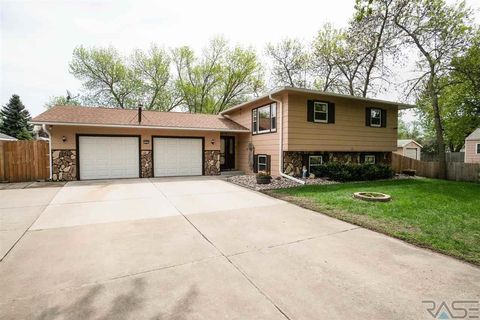 Photo of 3500 N 7th Ave, Sioux Falls, SD 57104