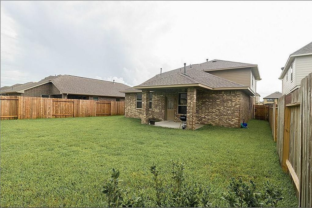 4819 loures ln league city tx 77573 for Kitchen cabinets 77573