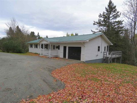 Photo of 675 County Rd, Glover, VT 05839