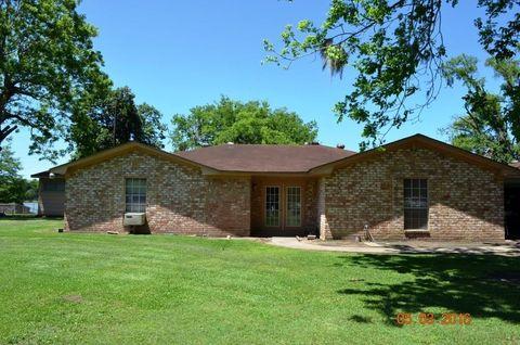 Homes for sale near lake livingston tx for Home builders in livingston tx