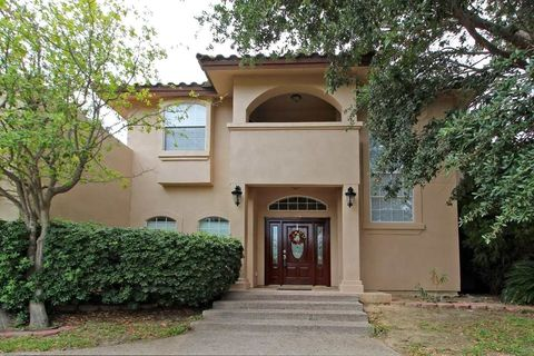 Photo of 416 Emerald Lake Dr, Laredo, TX 78041
