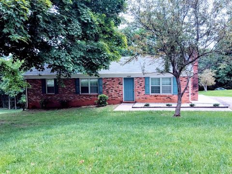 Photo of 104 Hillview Dr, Lynchburg, VA 24502
