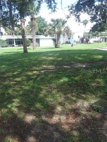93 Country Gardens Dr Eustis FL 32726