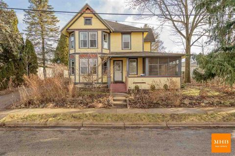 Photo of 2104 Mill St, Cross Plains, WI 53528