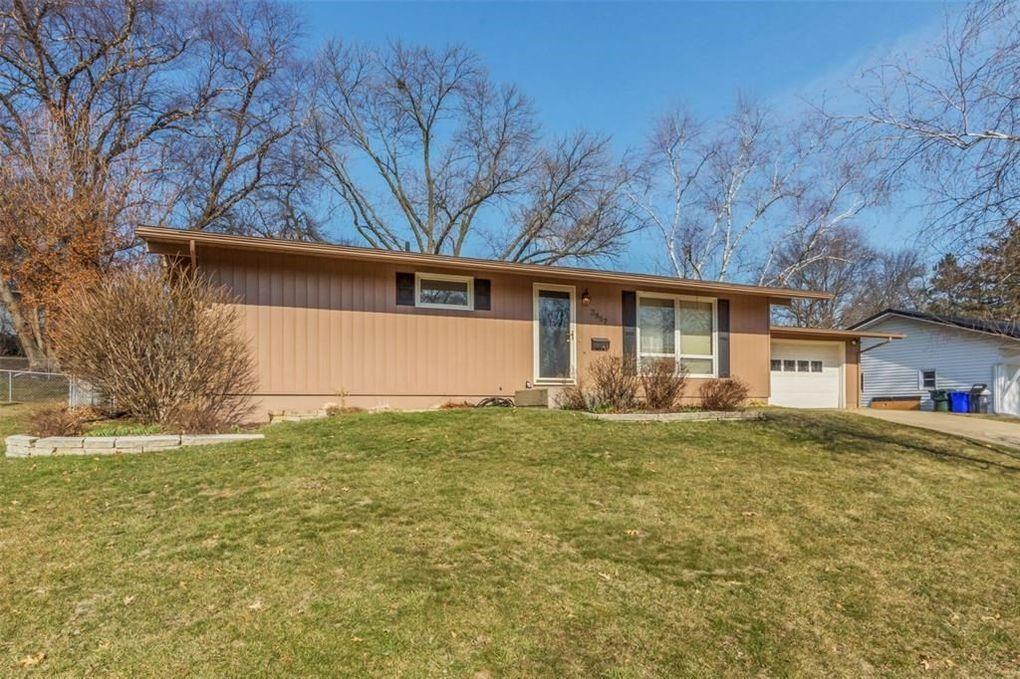 3857 Falbrook Dr NE Cedar Rapids, IA 52402