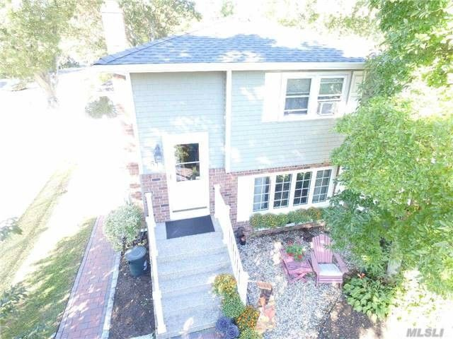 61 Eimer St, Patchogue, NY 11772