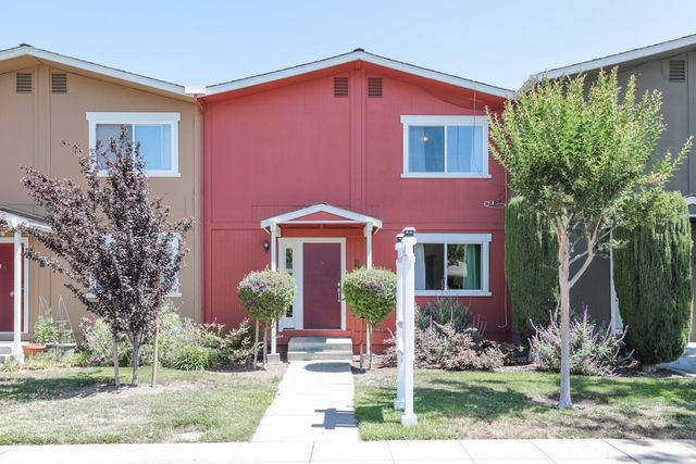 532 Tyrella Ave Apt 10, Mountain View