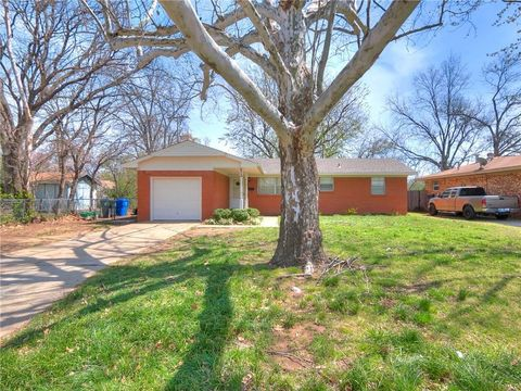 Photo of 609 Wylie Rd, Norman, OK 73069