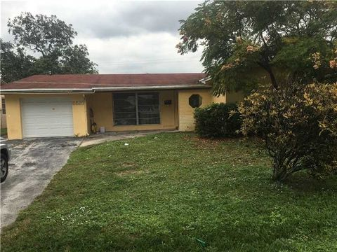 1036 sw 112th ter pembroke pines fl 33025 for 11263 sw 112 terrace