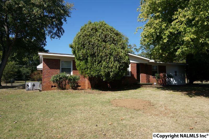 2409 Crestwood Dr Sw, Huntsville, AL 35805