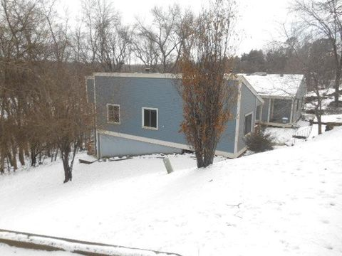 Photo of 371 Spates Ave, Red Wing, MN 55066