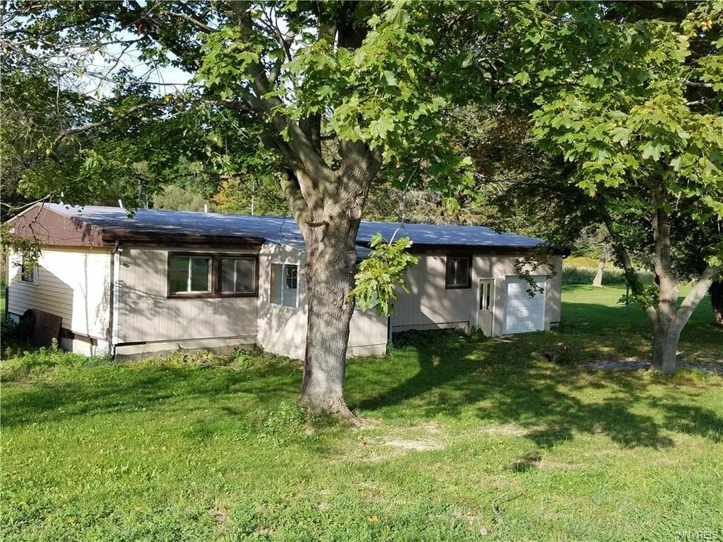 5353 Mungers Mill Rd, Warsaw, NY 14550