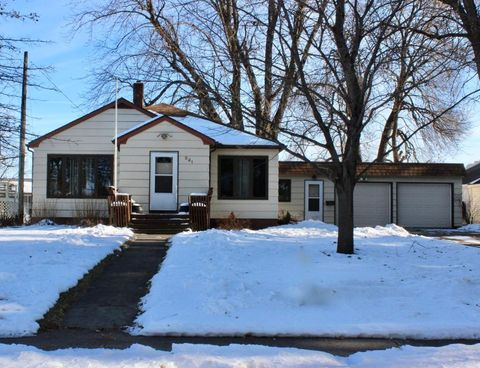 Photo of 521 Center Ave N, Blooming Prairie, MN 55917
