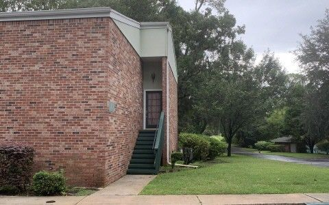 Photo of 215 Nw Fairway Hills Gln Unit 1, Lake City, FL 32055