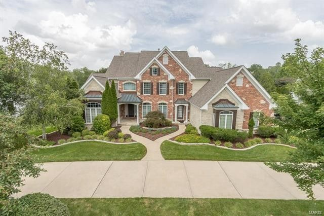 18016 Bonhomme Bend Ct, Chesterfield, MO 63005