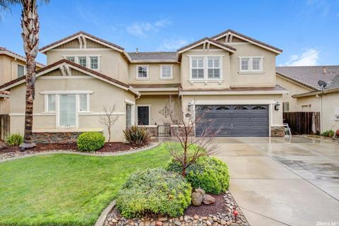 5418 Mayberry Ct, Riverbank, CA 95367