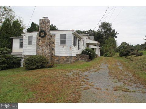 159 Hoffmansville Rd, Sassamansville, PA 19504