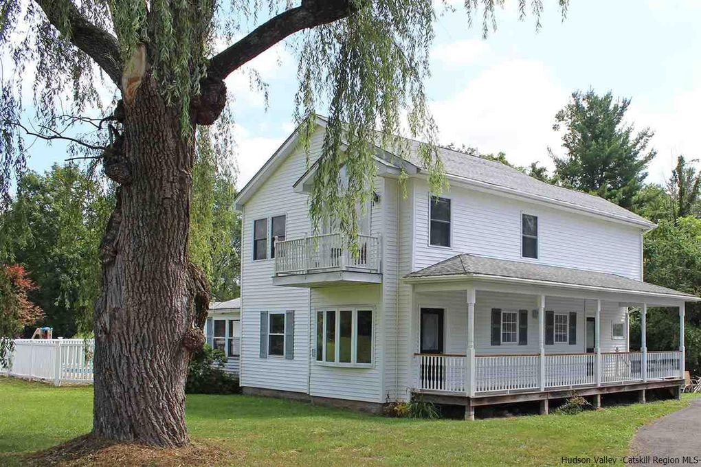 304 Blue Mountain Rd Saugerties, NY 12477