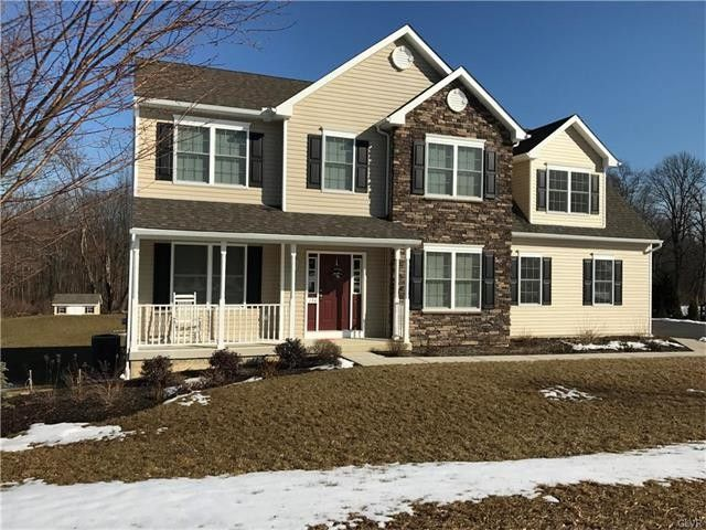 134 Country Chase Dr, Bushkill, PA 18091