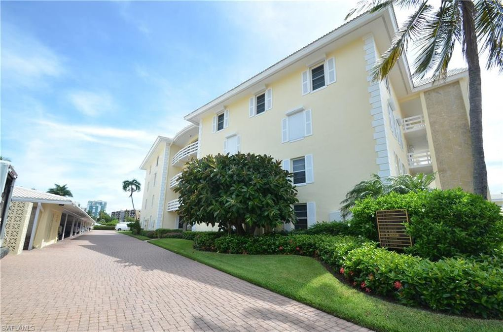 3300 Gulf Shore Blvd N Apt 311, Naples, FL 34103