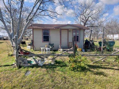 2539 Oyster Creek Bnd, Freeport, TX 77541