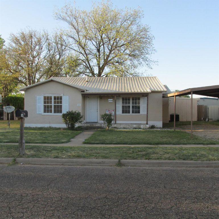 1009 W 9th St, Littlefield, TX 79339