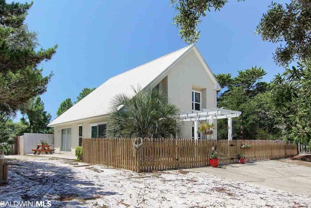 6890 Palmetto Dr, Gulf Shores, AL 36542