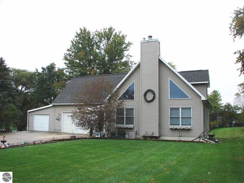 perrinton mi real estate perrinton homes for sale realtor com rh realtor com homes for sale in michigan with a pool cottage for rent in michigan on a lake