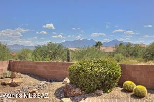 1061 W Mountain Nugget Dr, Green Valley, AZ 85614