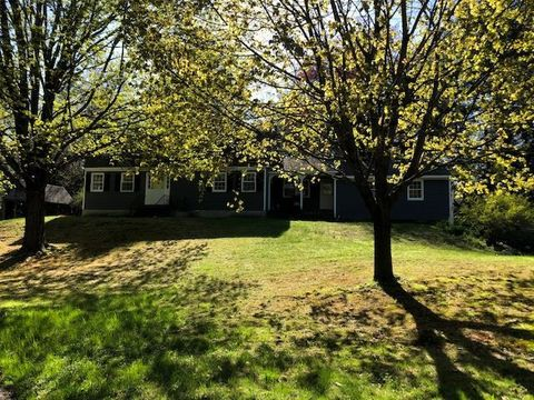 204 Wocell Dr, Guilford, VT 05301