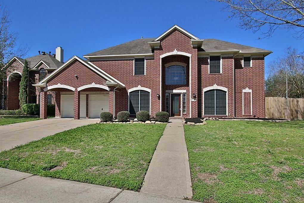 102 Annes Way, Stafford, TX 77477