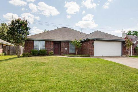 Photo of 4601 Brompton Ln, Bryan, TX 77802
