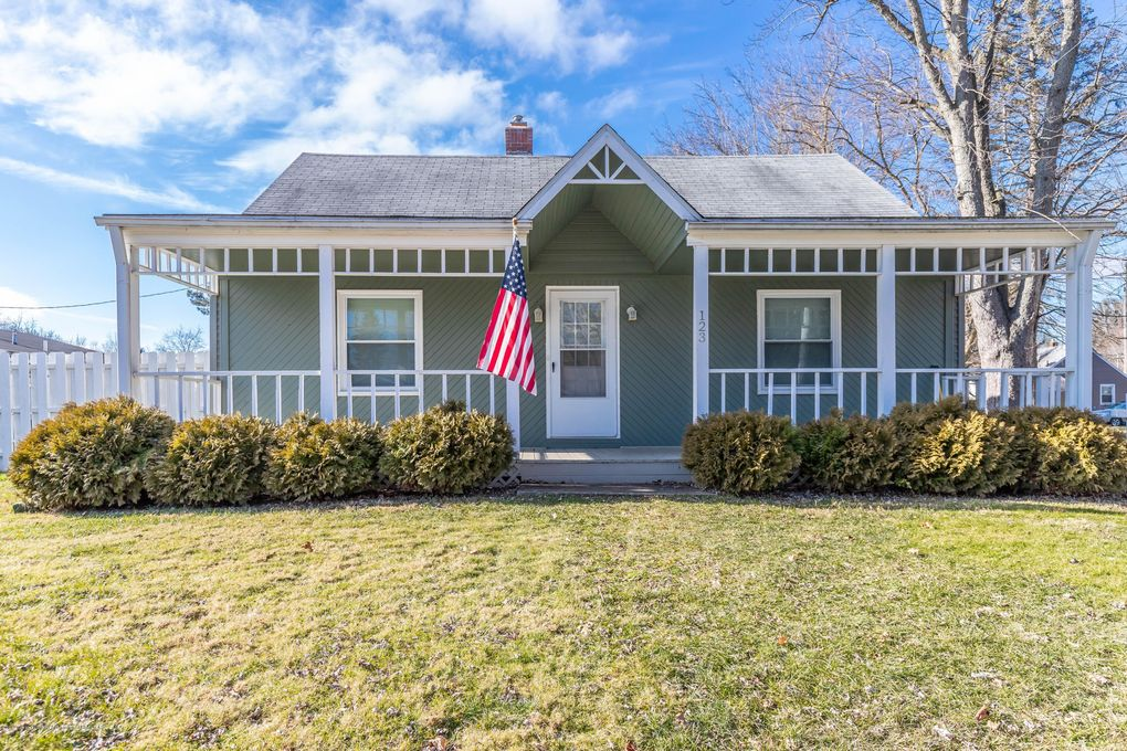 123 Wint St Williamston Mi 48895 Realtor Com