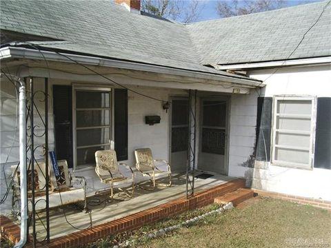 1103 N Green St, Wadesboro, NC 28170