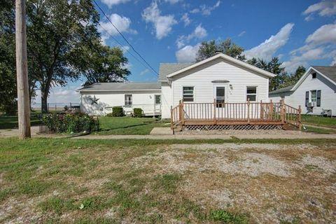 106 W Collett St, Oakwood, IL 61858