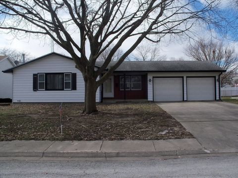 Photo of 383 N Van Buren Ave, Bradley, IL 60915
