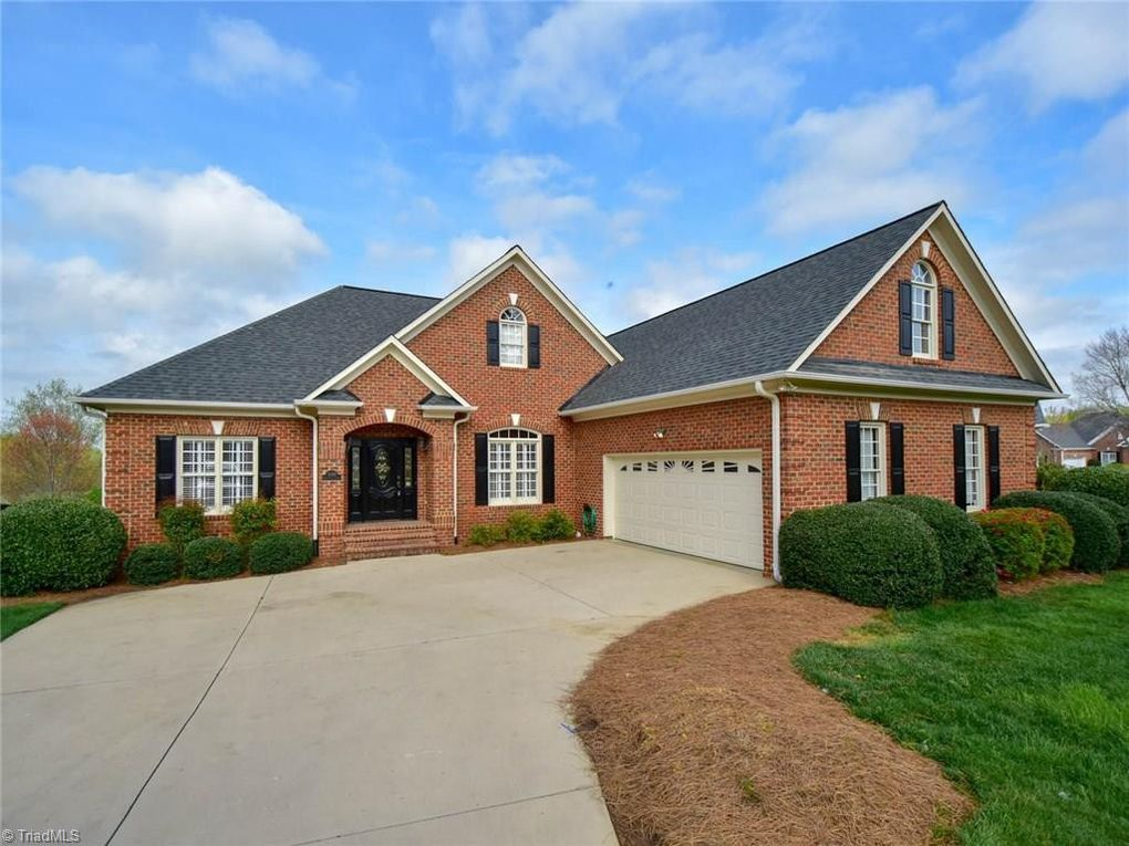 3002 Glen Chase Ct, Clemmons, NC 27012