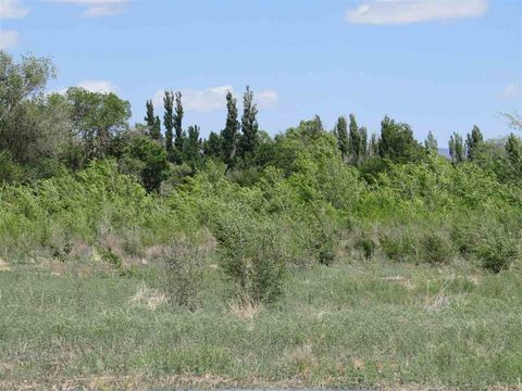8 Marin Dr, Tularosa, NM 88352