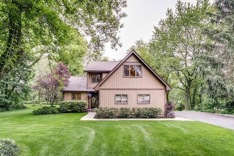 5 N597 Hidden Springs Dr, Saint Charles, IL 60175