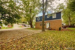 Waterfront Homes for Sale in Pinckney, MI - realtor com®