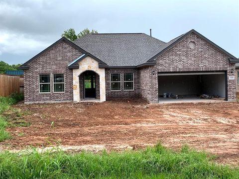 Photo of 1301 Gifford Rd, Angleton, TX 77515