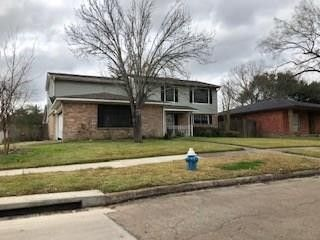 Photo of 10426 Cedartowne Ln, Sugar Land, TX 77498